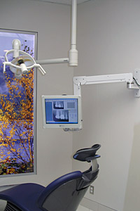 Elite 5220 Wall Mount with Neovo Medical Grade Monitor
